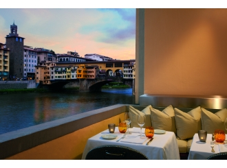 Arno view from Terrace Borgo San Jacopo Restaurant Florence_2069