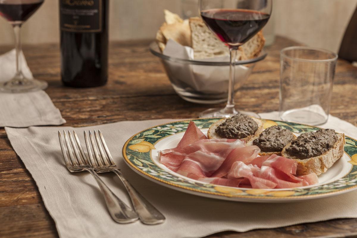 prosciutto-toscano-crostini