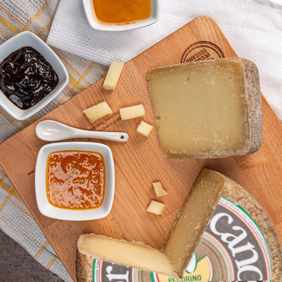 Pecorino Toscano DOP con marmellate