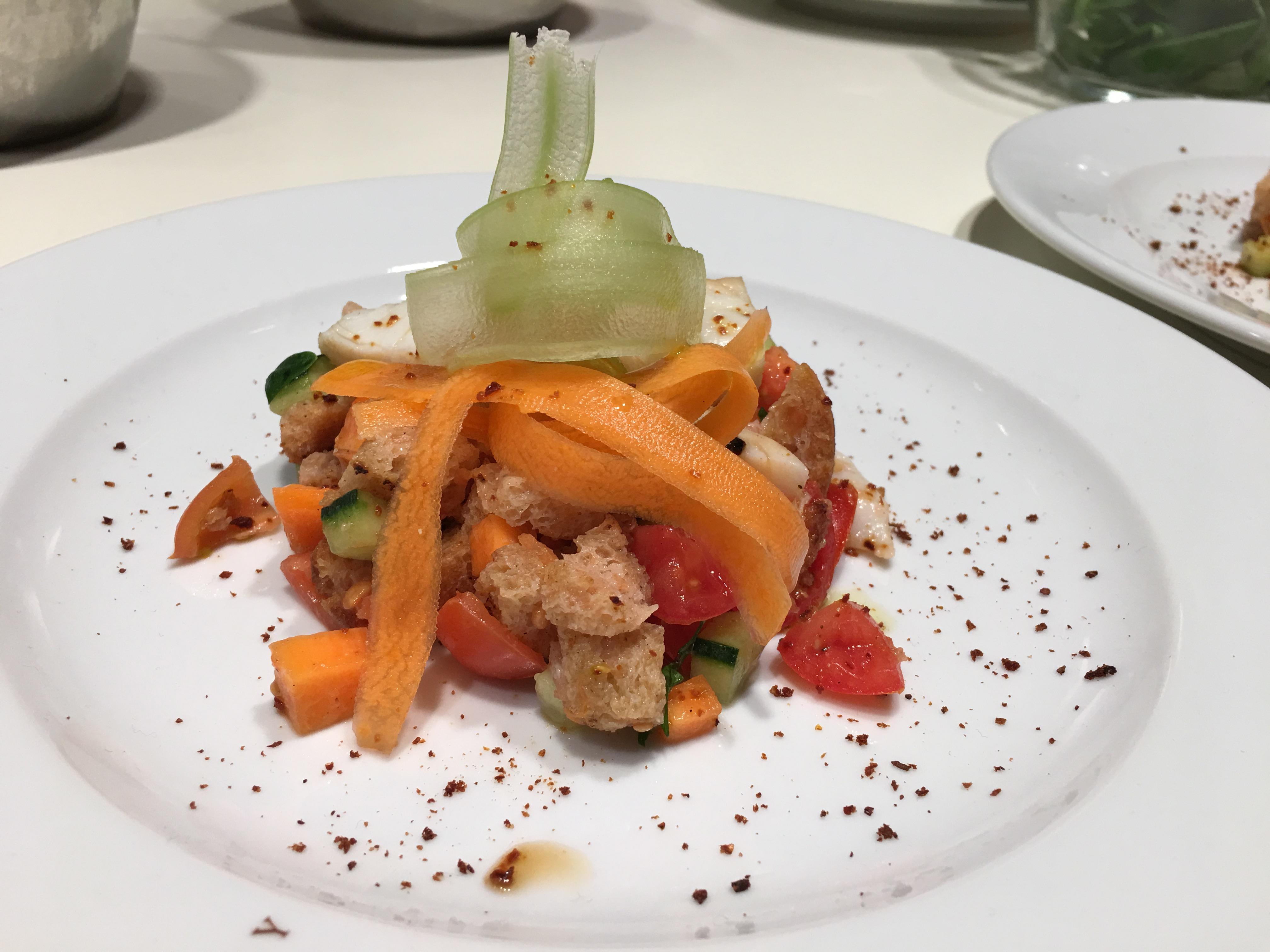 Panzanella croccante di verdure e baccalà