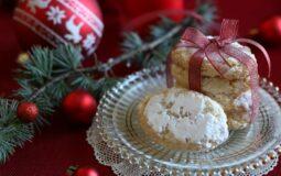 Ricciarelli, dolci tipici della Toscana a Natale