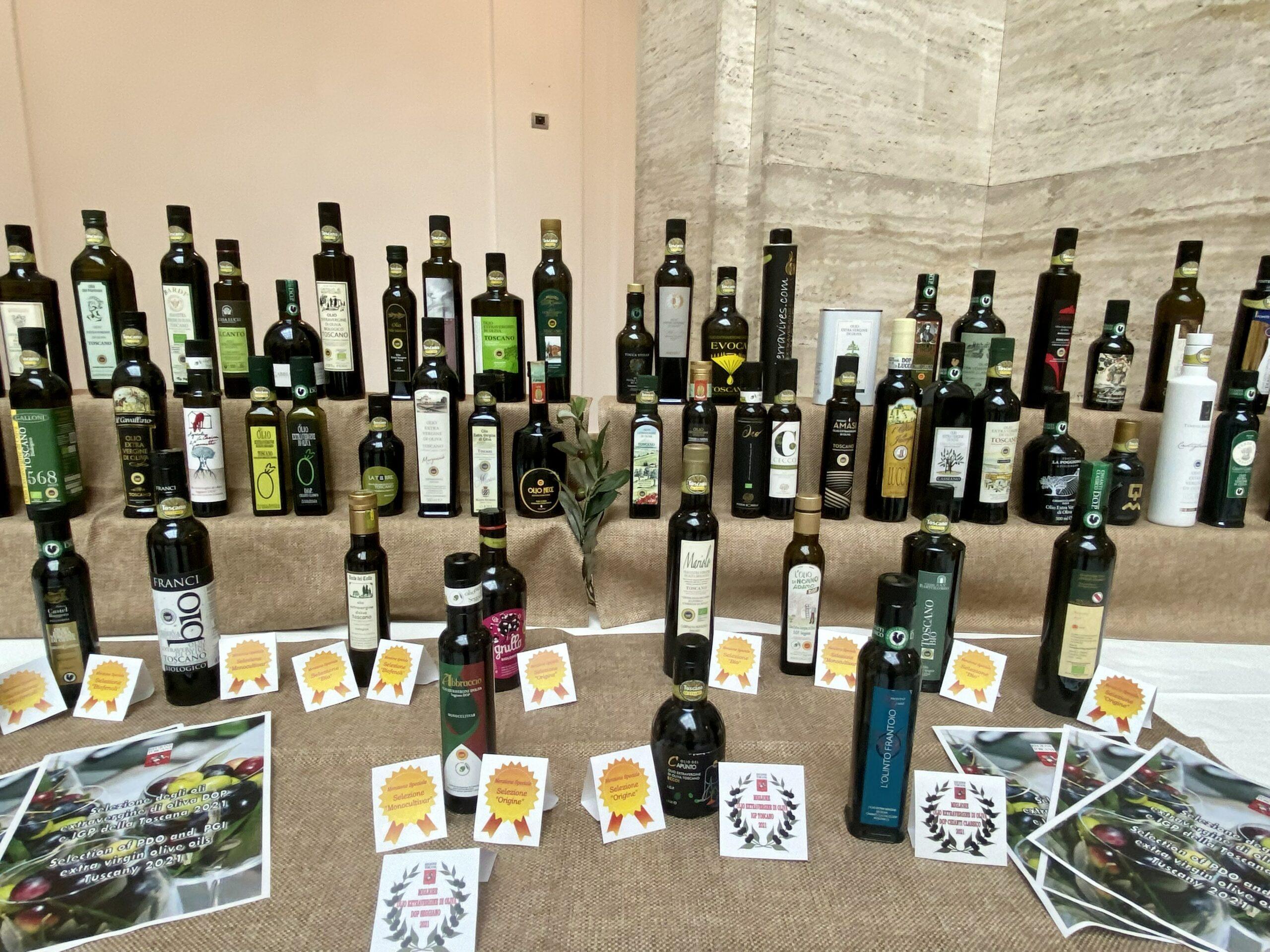 Oli extravergine DOP e IGP della Toscana: con la selezione 2021 premiate 71 eccellenze